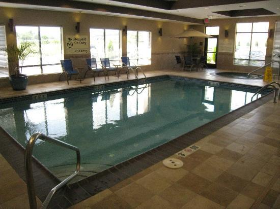 Hampton Inn Farmington: Pool and Spa