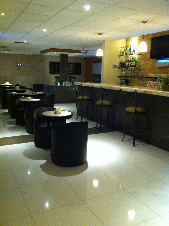 Hotel Dubrovnik: bar/restaurante