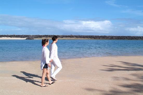 Mercure Manado Tateli Beach Resort: Private Beach