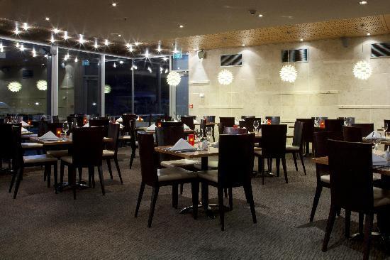 Crowne Plaza Queenstown: threesixty Restaurant