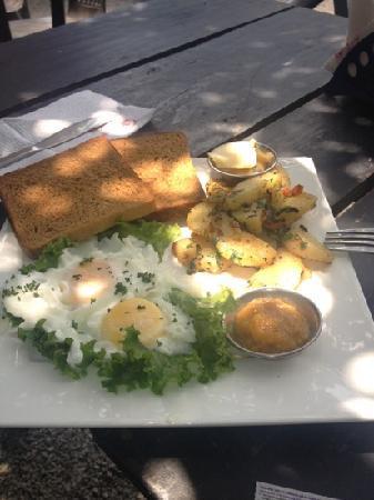 Funky Buddha Kathmandu : breakfast