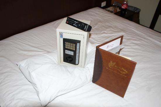 โรงแรมป๊อปปา พาเลซ: Portable Safe