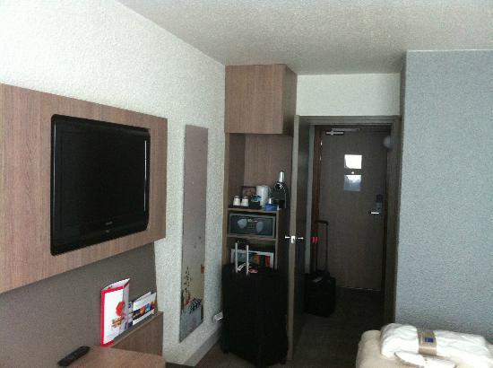 Novotel Cergy Pontoise : Executive Room. Veryy modern!