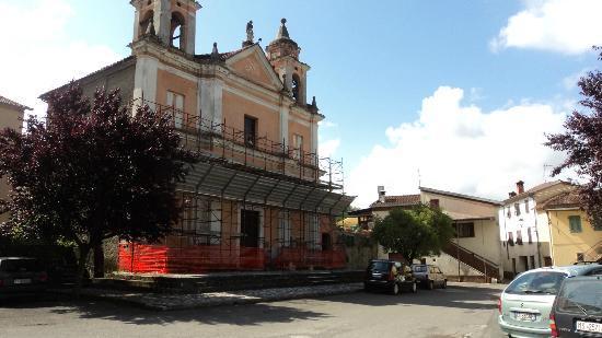 La Vecchia Loggia: the village square