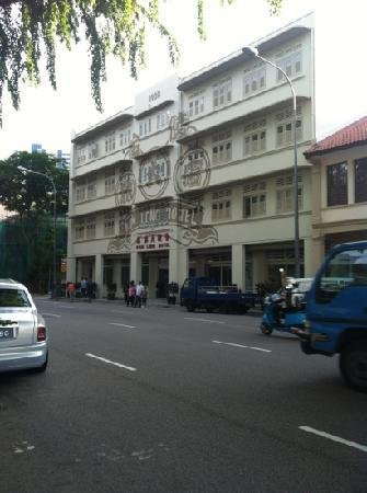 Kam Leng Hotel: hotel front