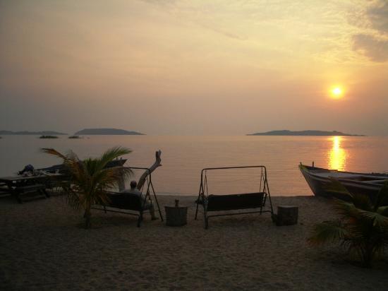 Lake Tanganyika : Sunset from Kipili with Lupita & Mvuna Islands