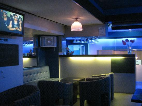 Hotel Pier Cuatro: Mezzanine bar in hotel