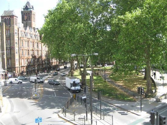 Regents Park Residence: Park across the street - View from apartment