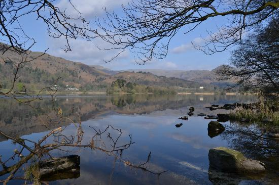 Banerigg Guest House: Grasmere - 5 minutes walk through the woods from Banerigg