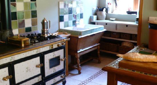 Chalet Châtelet : Wekos Range in Kitchen/Dining Room