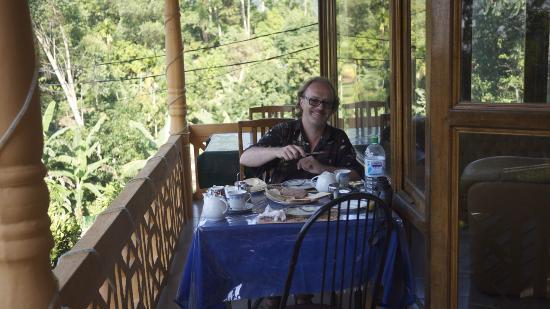 Sita's Heaven: Déjeuner au balcon