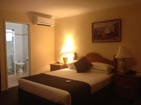 McNevins Maryborough Motel: room 17