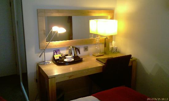 The Frenchgate Restaurant & Hotel: Desk and one of 3 mirrors