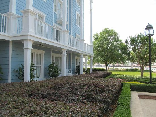 Disney's Beach Club Resort: Our room, the lake and Boardwalk
