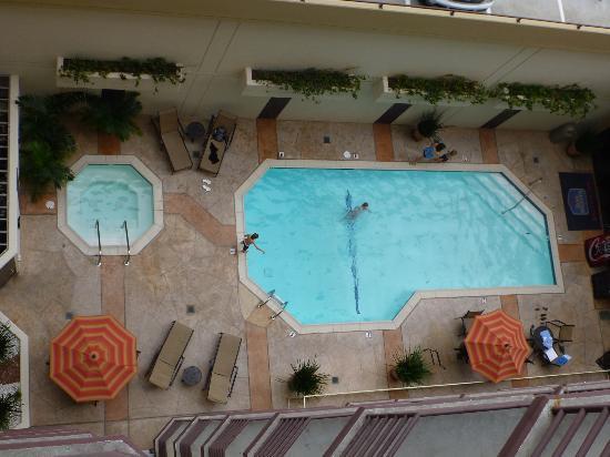بست ويسترن بلس باي سايد إن: la piscina