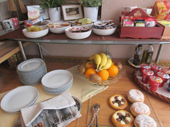 Pension Holata: More breakfast goodies