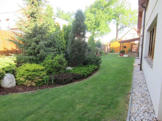 Pension Holata: Landscaped back yard