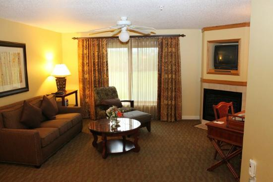 Holiday Inn Club Vacations at Lake Geneva Resort: Living Room