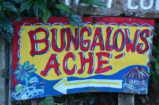 Bungalows Ache: L'enseigne