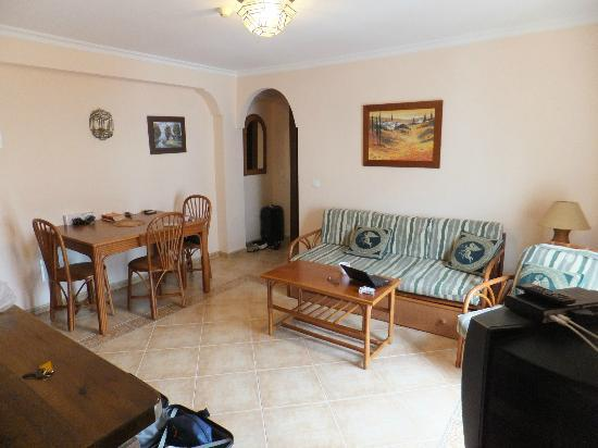 Apartamentos Balcon de Carabeo: Lounge room.