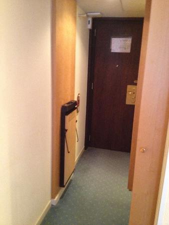 لو رويال أوتلز آند ريزورتس - لوكسمبورج: Room Entrance
