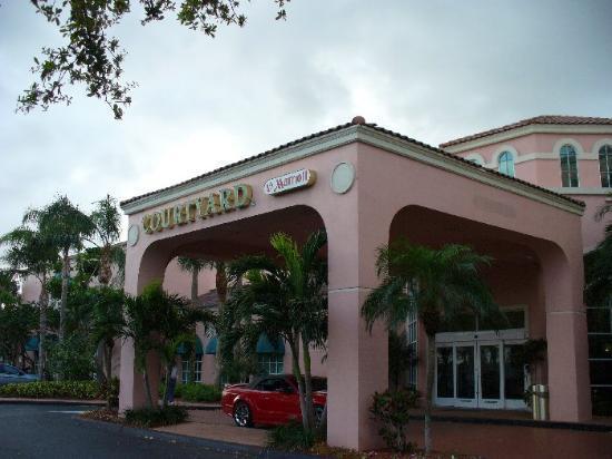 Courtyard Fort Lauderdale North/Cypress Creek: Entrance