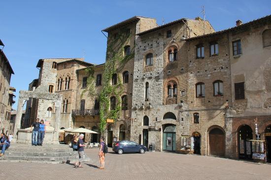 La Cisterna Hotel: Entrance view of Hotel La Cisterna