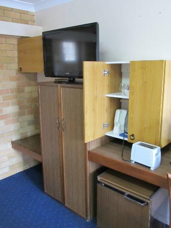 Hunter Valley Motel: Tea/coffee station, toaster provided