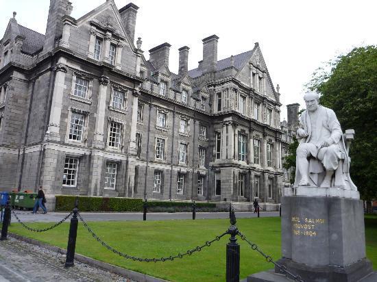 Trinity College Campus : vista struttura alloggi