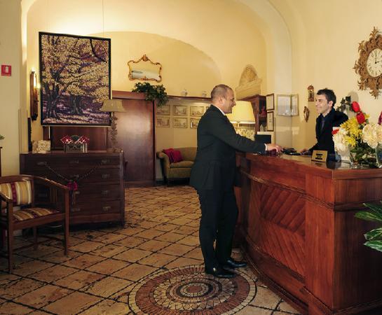 Hotel Minerva : Hall