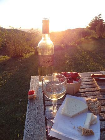 Entre Azur et Maures : Wine and a view