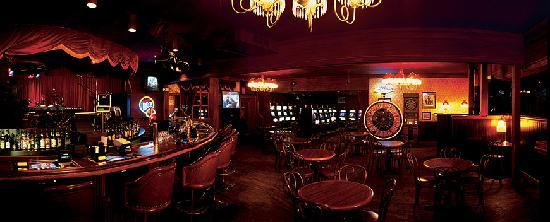 Horseshu Hotel and Casino: Saloon