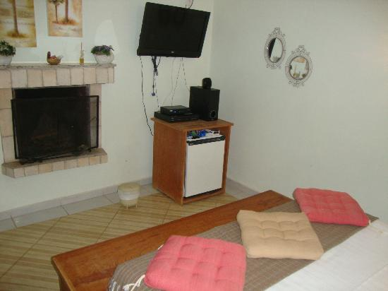 Hotel pousada Shangri-Lá: tv e lareira