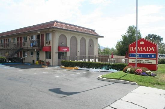 Ramada Limited San Marcos: front of the motel