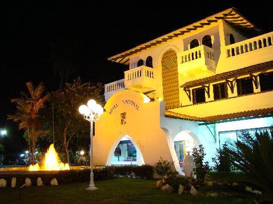 Gran Hotel Nacional : Vista del Hotel en la Noche