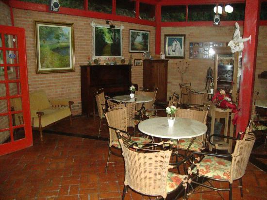 Hotel Pousada Shangri-La: bar