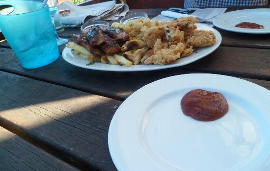 Dutton's Cove Restaurant: Food