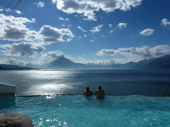 Santa Catarina Palopo, جواتيمالا: infinity pool view