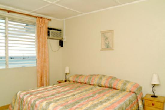 Nautilus Beach Apartments: Bedroom