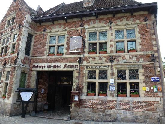 Auberge du Bon Fermier : Hotel is a registered ancient monument