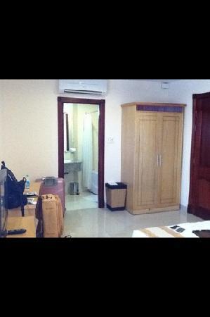 Hoang Phu Gia Hotel: near to bath room pics