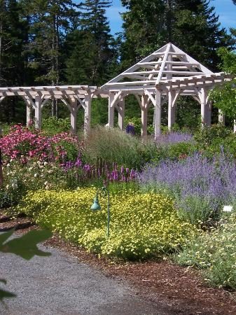 Greenleaf Inn at Boothbay Harbor: DON'T MISS THE MAINE BOTANICAL GARDENS