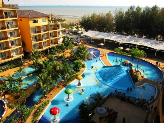 how to go to gold coast from malaysia