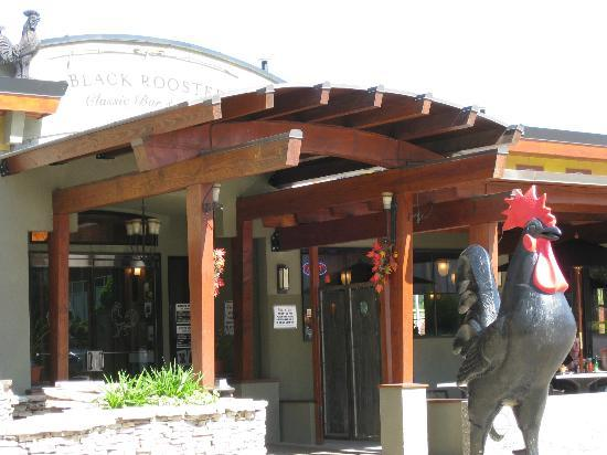 Black Rooster Bar and Grill : Exterior View
