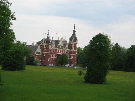 Furst-Puckler-Park Bad Muskau: the castle in restauration