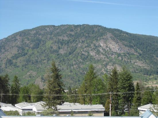 Super 8 Castlegar BC: View looking NE