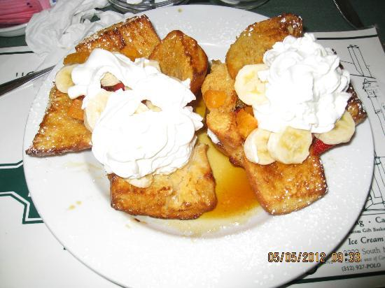 The Polo Inn Bridgeport U.S.A.: Creme Brulee French Toast