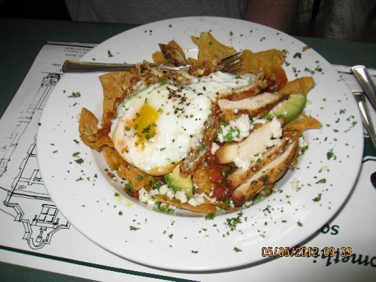 Bridgeport Bed and Breakfast: Chilichilles  - sliced Grilled Boneless Chicken & Crispy Tortillas with eggs.