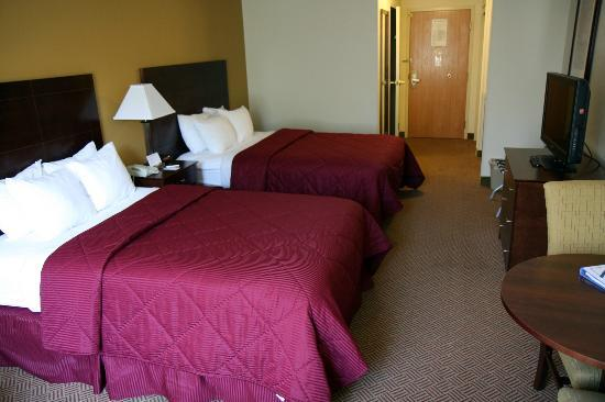 Holiday Inn Express & Suites Lincoln East - White Mountains: Chambre avec deux lits