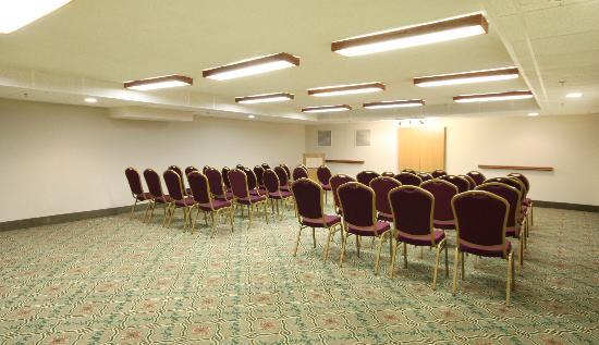 Clarion Inn & Suites Tulsa Central: Meeting Room